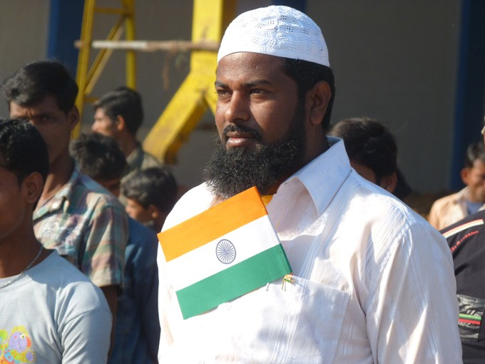 JAYCOT\'s Employee with national flag